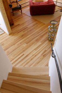 """Jaseňová podlaha z """"mesačného dreva"""", Thoma Holz 100"""